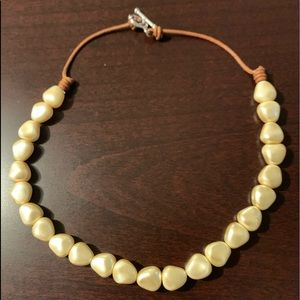 Jewelry - Mother of Pearl Necklace/Choker NWOT